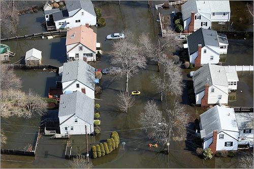 ryan_flood-aftermath4_met__1268767823_6318